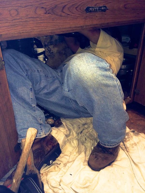 Gilbert plumbing Repairing Faucet